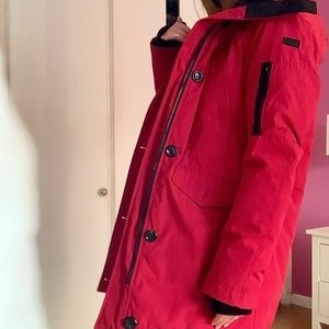 GORGEOUS VINCE CAMUTO: BOLD RED Winter Jacket